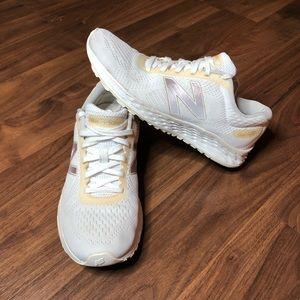 New Balance Arishi Fresh Foam Sneakers Womens 8.5